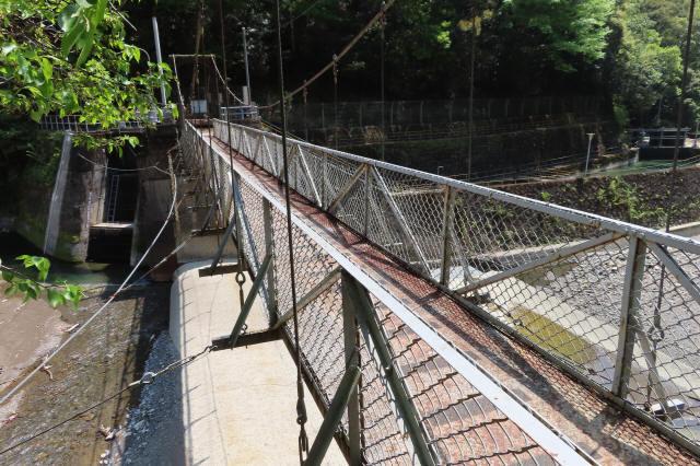 板取取水ダムの吊橋7