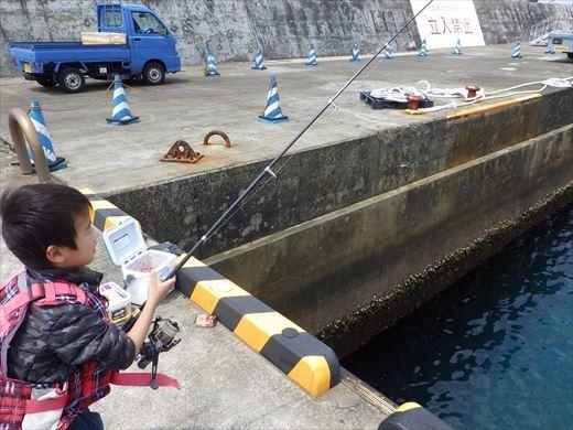 神津島港釣り1 (22)