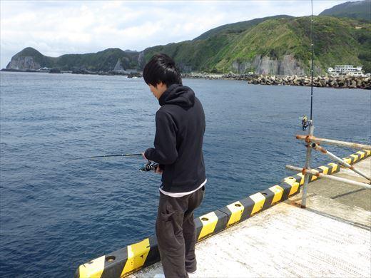 神津島港釣り1 (27)