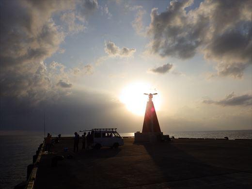 神津島港で釣り (24)