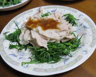 オカヒジキと豚肉料理