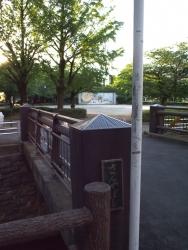 190607_31三夜橋から公園