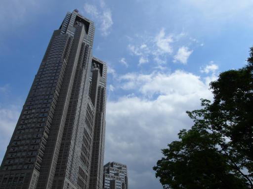 20190518・新宿中野散歩空02・都庁