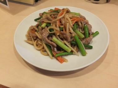11牛肉とニンニクの芽炒め0413