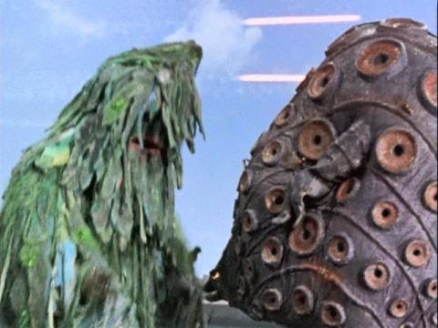 ヘドロ怪獣 ザザーン vs オイル怪獣 タッコング