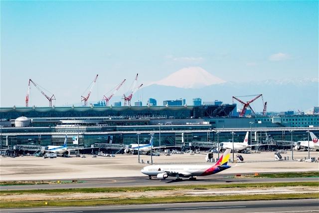 国際線タームナルト富士山