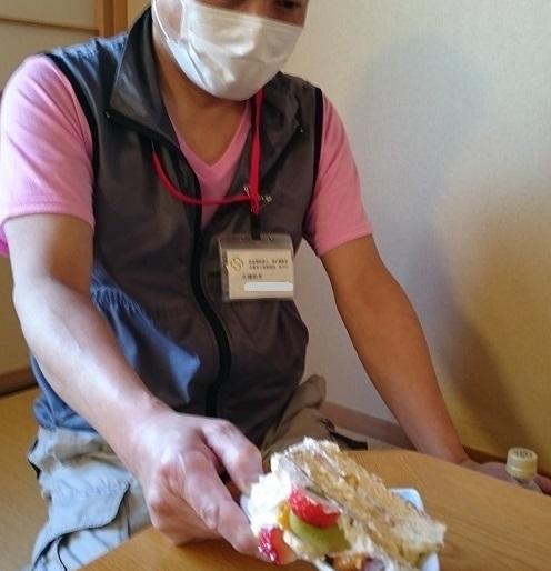 224お誕生日ケーキお裾分け