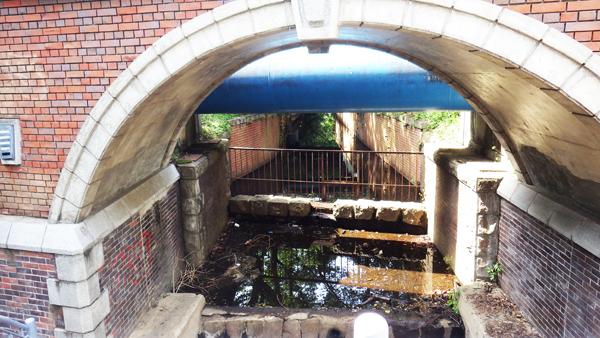 煉瓦から玉川上水