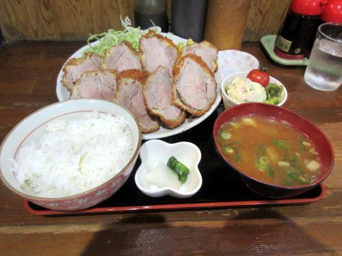 黒豚定食ヒレカツ&豚汁