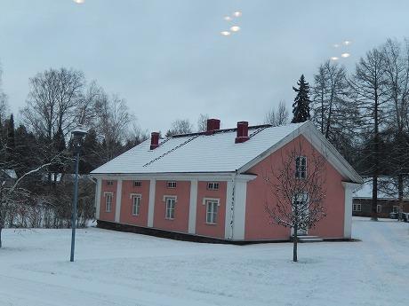 ピンク色の家