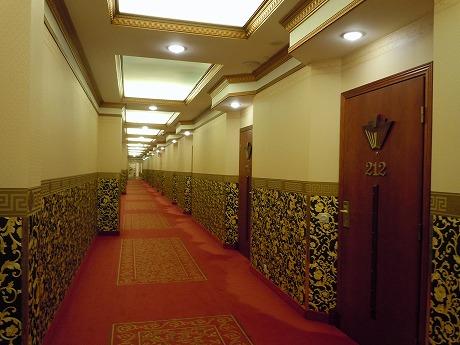 Hotelli Onnen Tähti廊下