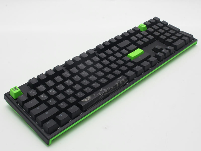 Ducky_One_2_RGB_Razer_Edition_03.jpg
