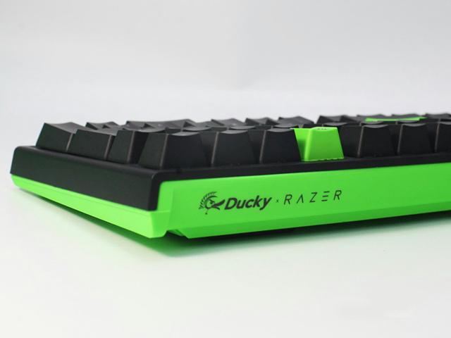 Ducky_One_2_RGB_Razer_Edition_05.jpg
