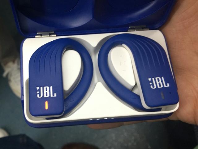 JBL_ENDURANCE_PEAK_19.jpg