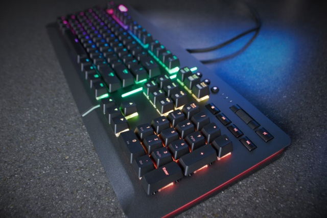Level_20_RGB_Gaming_Keyboard_09.jpg