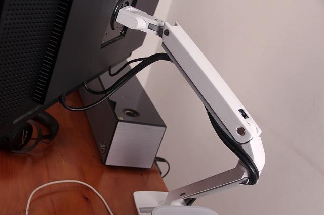 MXV_Desk_Monitor_Arm_11.jpg