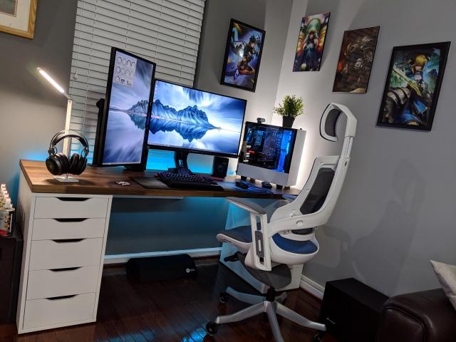 PC_Desk_147_01.jpg