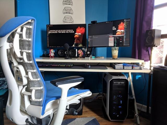 PC_Desk_147_07.jpg
