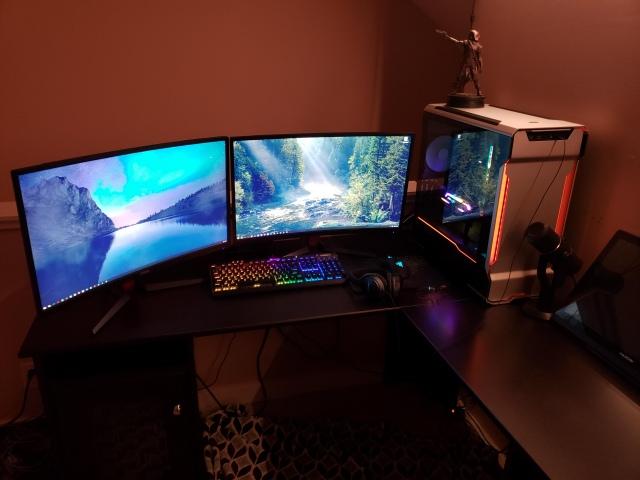 PC_Desk_147_20.jpg