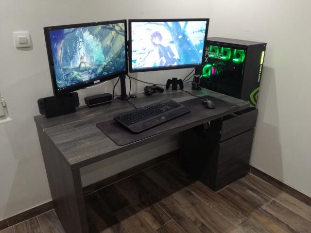 PC_Desk_147_42.jpg