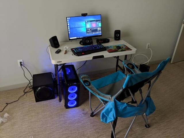 PC_Desk_147_57.jpg