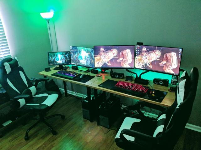PC_Desk_147_76.jpg