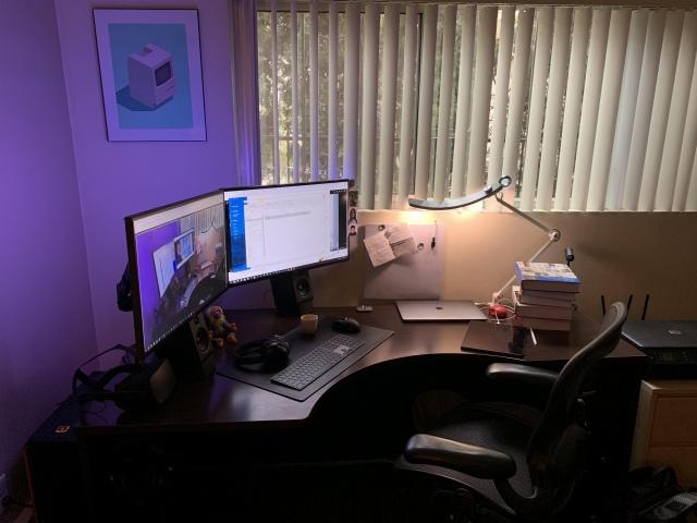 PC_Desk_147_90.jpg