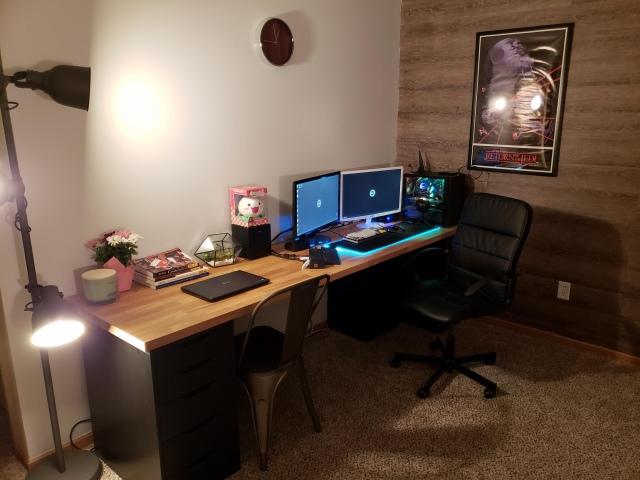 PC_Desk_148_31.jpg