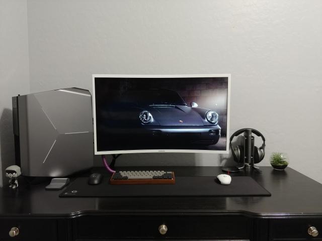PC_Desk_148_44.jpg
