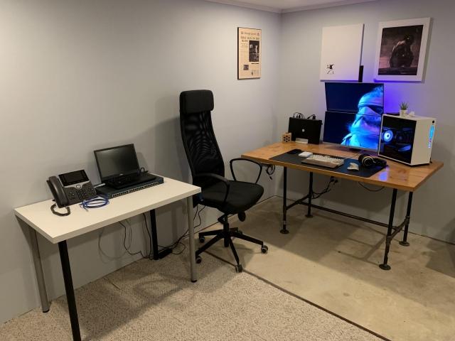 PC_Desk_148_61.jpg