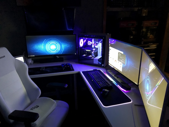 PC_Desk_149_29.jpg