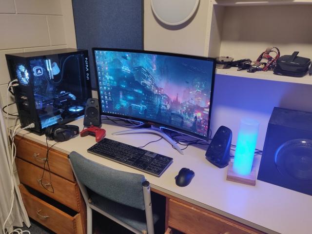 PC_Desk_149_31.jpg