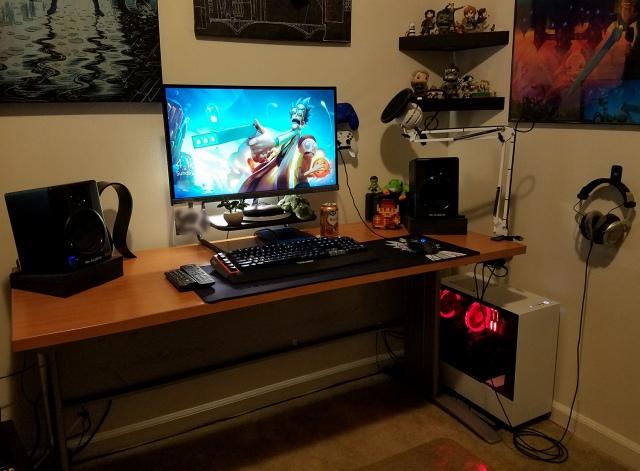 PC_Desk_149_33.jpg