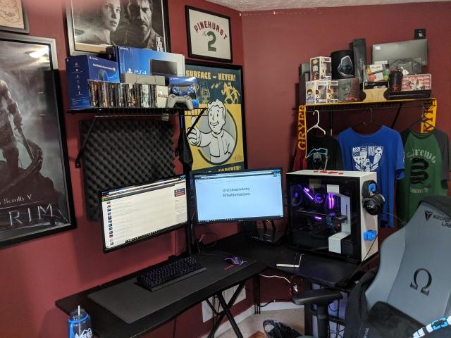 PC_Desk_149_35.jpg