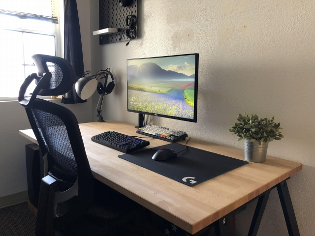 PC_Desk_149_40.jpg