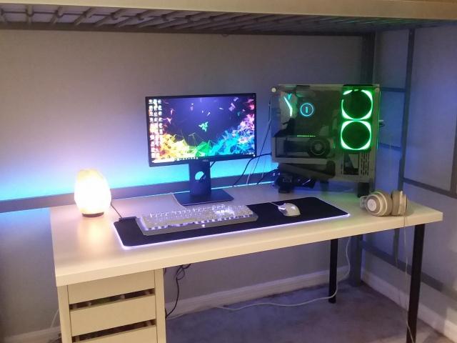 PC_Desk_149_43.jpg