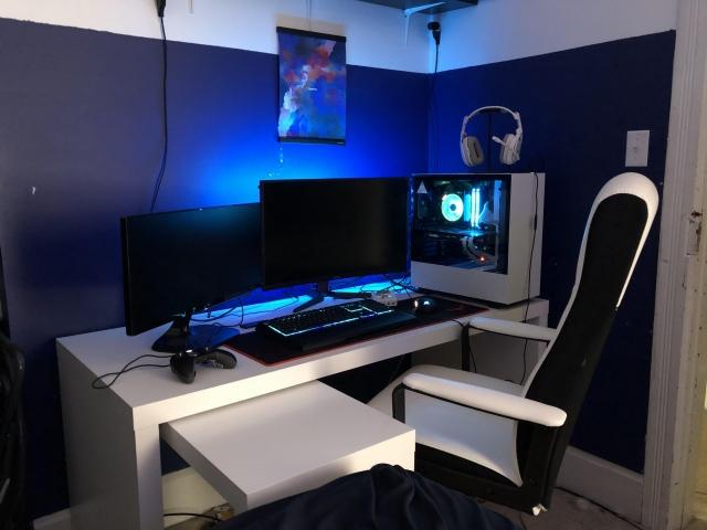 PC_Desk_149_58.jpg