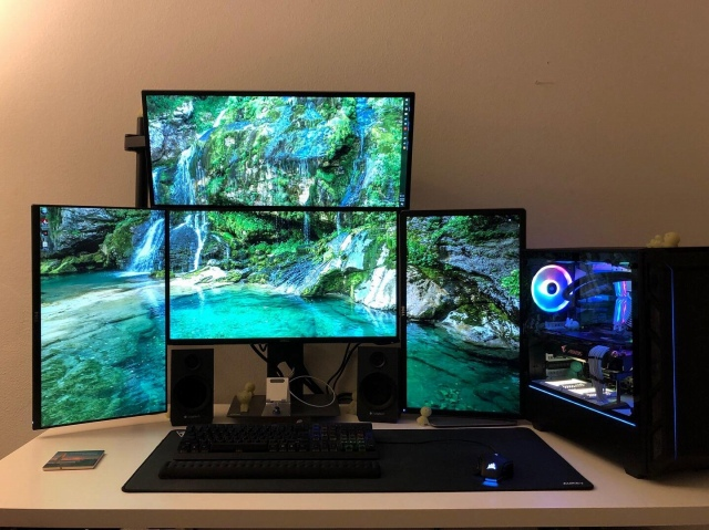PC_Desk_149_68.jpg