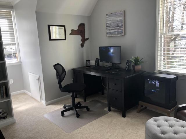 PC_Desk_149_83.jpg