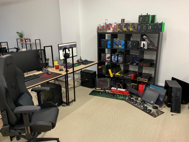 PC_Desk_149_92.jpg