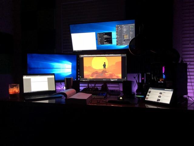 PC_Desk_150_27.jpg