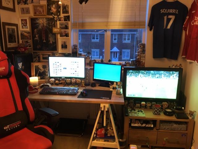PC_Desk_150_33.jpg