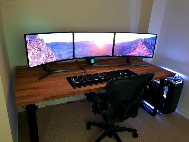 PC_Desk_150_42.jpg