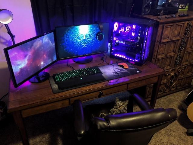 PC_Desk_150_52.jpg