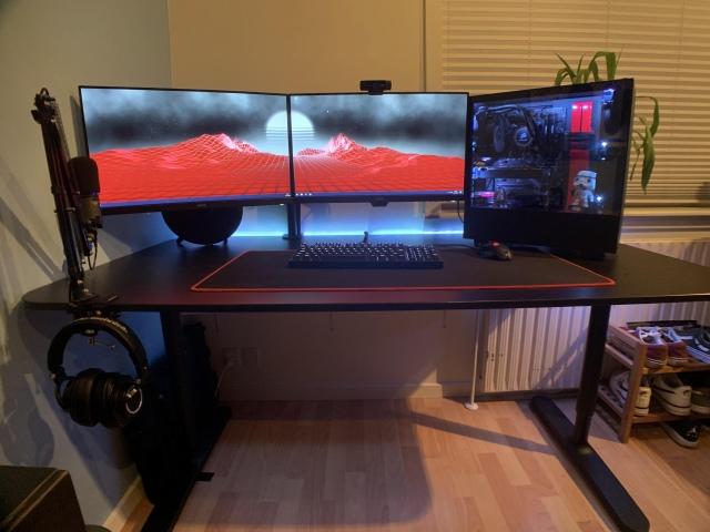 PC_Desk_150_75.jpg