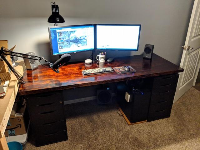 PC_Desk_150_78.jpg
