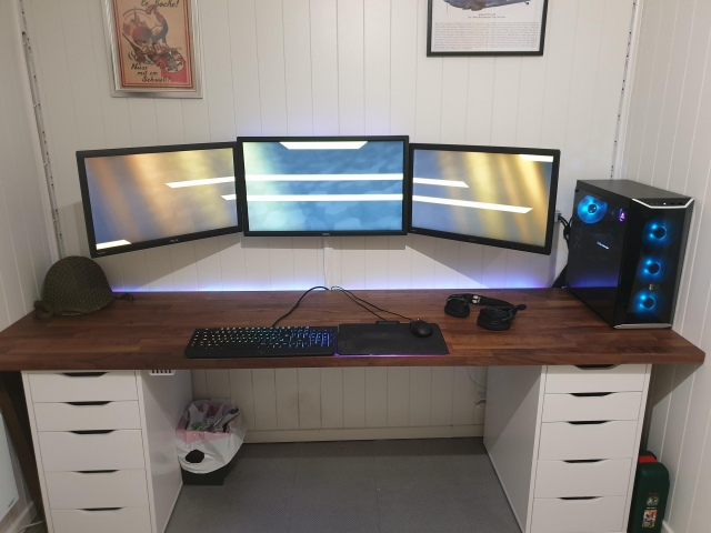 PC_Desk_150_84.jpg