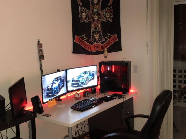 PC_Desk_152_100.jpg
