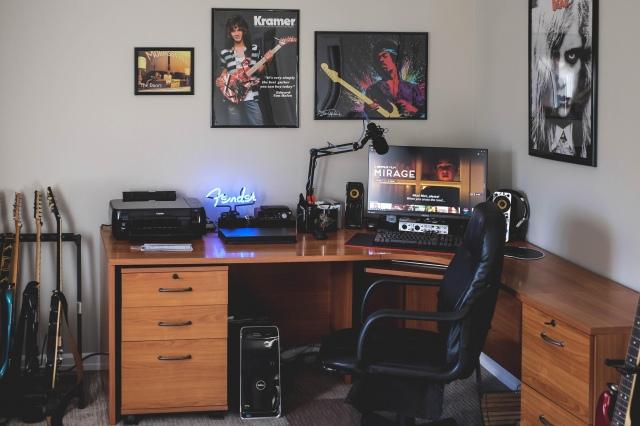PC_Desk_152_12.jpg