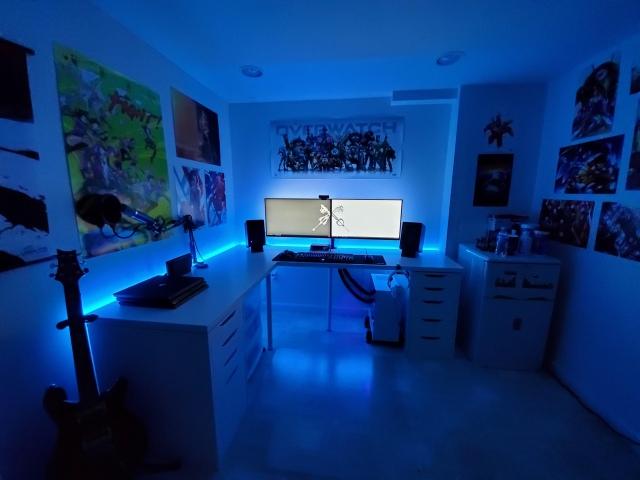 PC_Desk_152_18.jpg